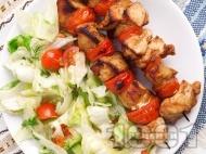 Мариновани пилешки шишчета с чери домати на скара